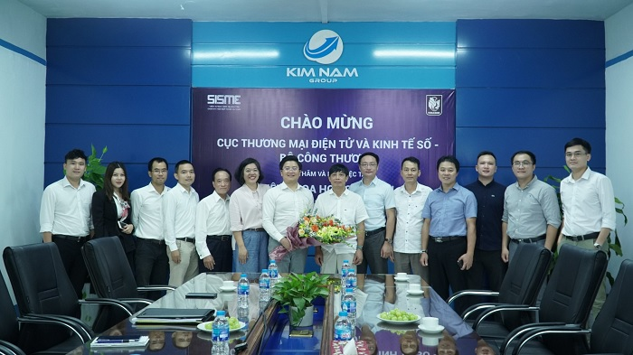 """Nguyen Kim Hung - Chairman of Kim  Nam Group welcomed and worked with Vietnam E-Commerce and Digital Economy Agency of the Ministry of Industry and Trade at Kim Nam Group. 25th,September, 2020 